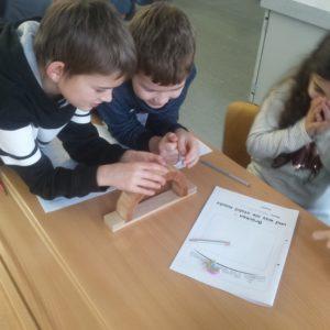 10: Wie eine Bogenbrücke gebaut wird – Beitrag der 3.Klasse
